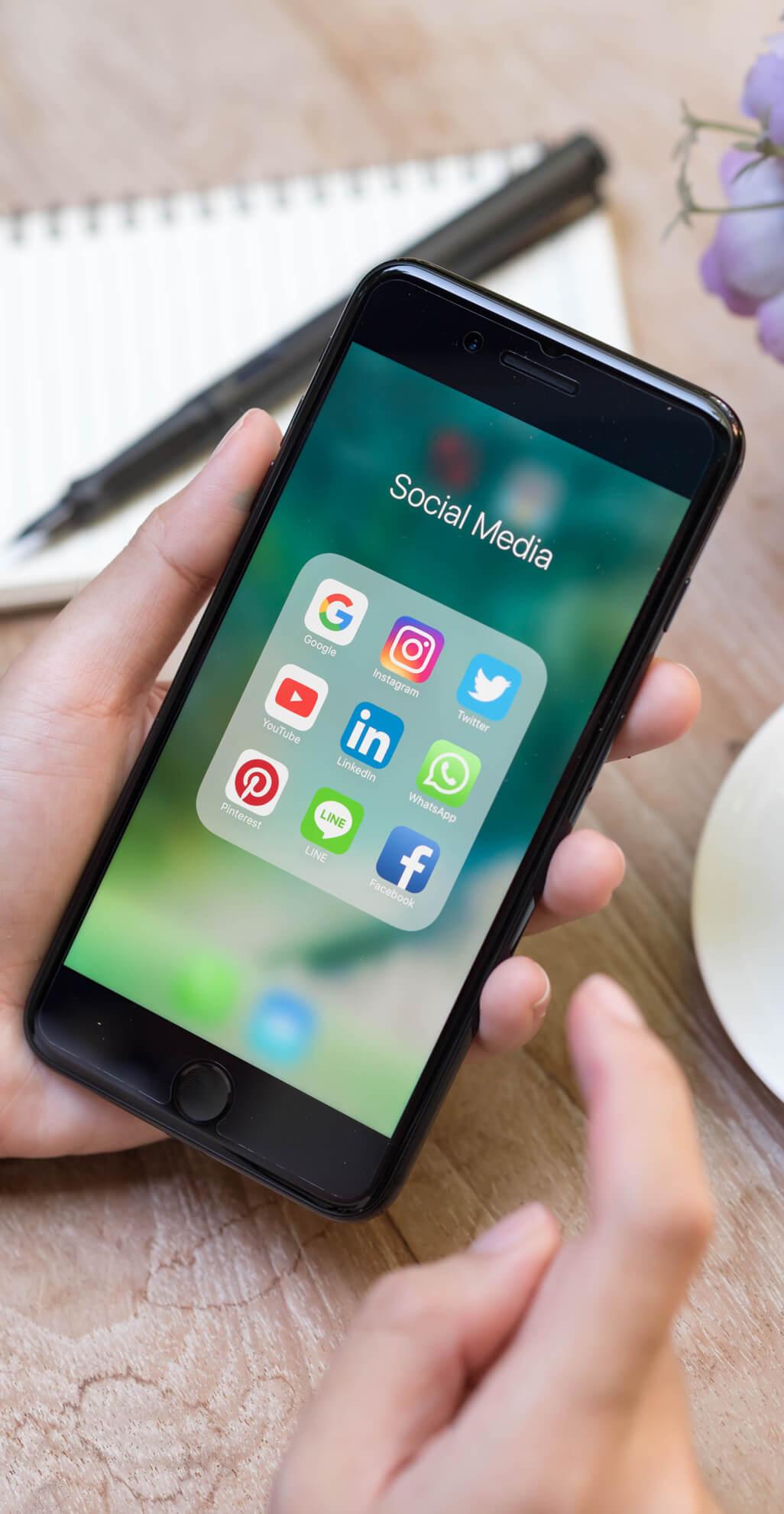 phone-social-network